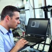 Für die schnittstellenarme, sichere Integration der neuen Prozesse hat VOLTARIS ein schlankes, mehrmandantenfähiges Frontend entwickelt